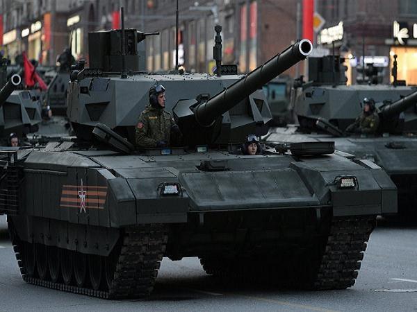 Xe tăng Armata của Nga tại Lễ duyệt binh kỷ niệm Ngày chiến thắng Phát xít 9-5 vừa qua