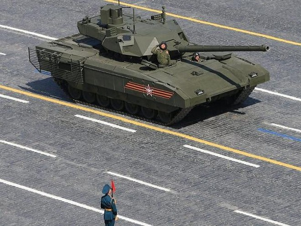 Xe tăng chiến đấu chủ lực Armata của Nga trong Lễ duyệt binh tại Quảng trường Đỏ
