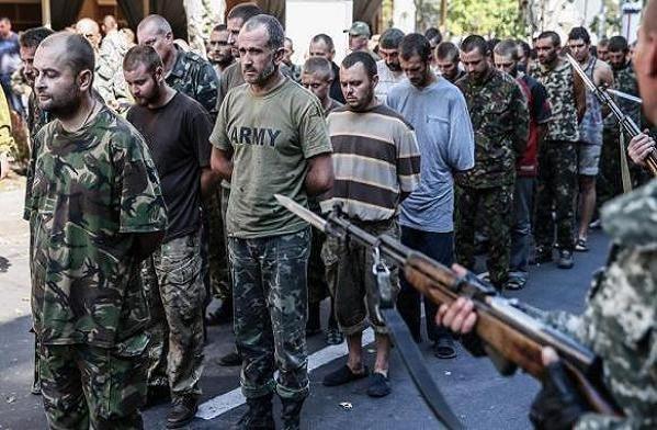 Binh lính Ukraine bị lực lượng ly khai bắt giữ trong các cuộc giao tranh