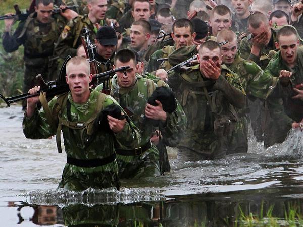 Binh lính Belarus tham gia một cuộc diễn tập quân sự