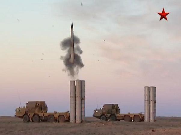 Hệ thống phòng không tiên tiến S-300 của Nga có khả năng bắn hạ mọi loại máy bay