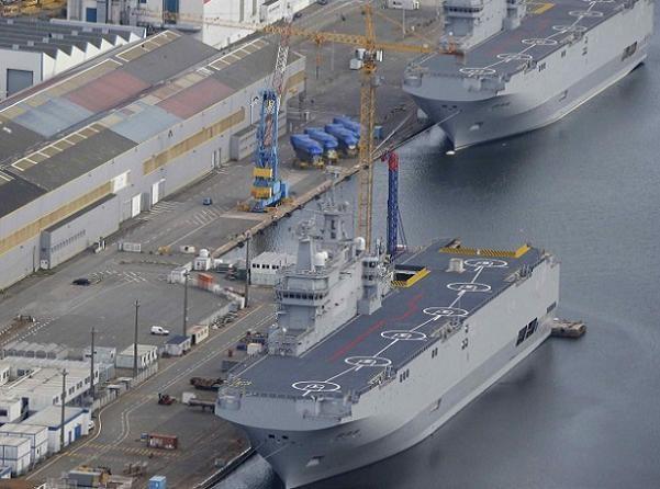 """Pháp chịu thiệt 5 triệu euro/tháng do 2 tàu đổ bộ trực thăng của Nga là Vladivostok và Sevastopol """"nằm chết dí"""" tại cảng Saint-Nazaire"""