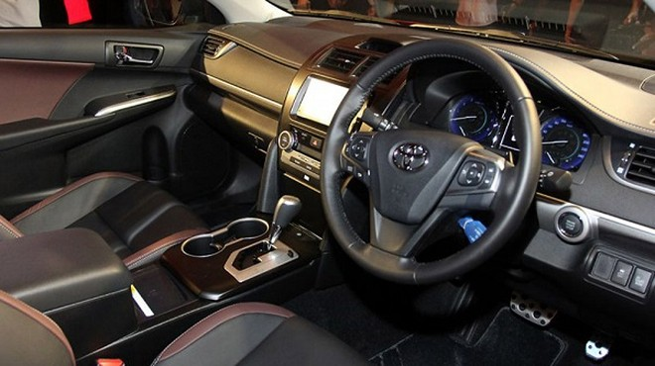 Toyota Camry mang dáng dấp thể thao ảnh 5