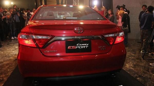 Toyota Camry mang dáng dấp thể thao ảnh 3