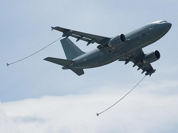 Máy bay tiếp dầu-vận tải đa năng A300 MRTT của Airbus