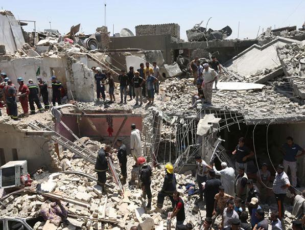 Hiện trường vụ bom rơi tại Baghdad