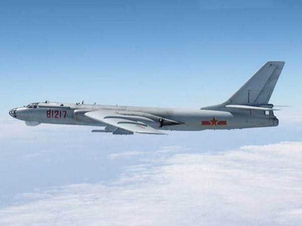 Máy bay ném bom tầm trung H-6 của Trung Quốc