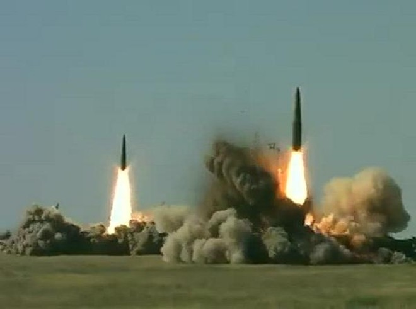 Tên lửa đạn đạo tầm ngắn Iskander-M của Nga khai hỏa mãnh liệt