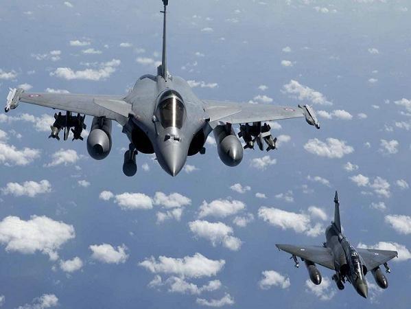 Máy bay chiến đấu đa năng Rafale của Pháp