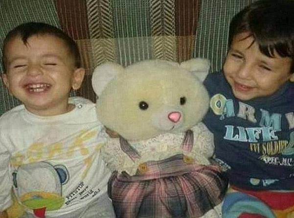 Cậu bé 3 tuổi Aylan và người anh trai 5 tuổi Galip