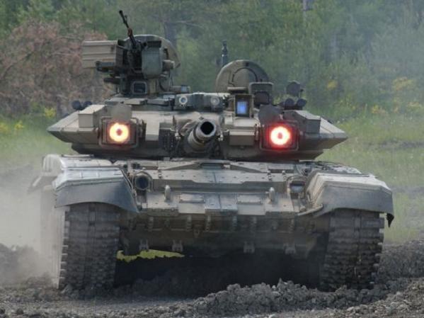 Xe tăng T-90 của Nga có khả năng tấn công-phòng thủ rất toàn diện