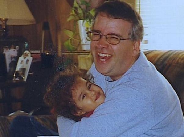 Hình ảnh ông Charles Maurer và cô con gái Cassy trước khi gặp nạn