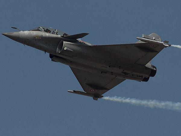 Máy bay Rafale của Pháp được sử dụng để tấn công IS tại Syria