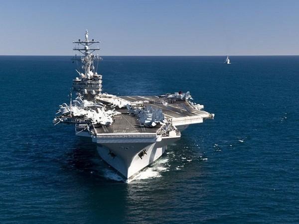 Tàu sân bay hạt nhân USS Ronald Reagan của Mỹ