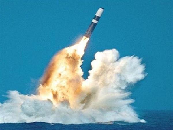 Tên lửa Trident được phóng đi từ tàu ngầm