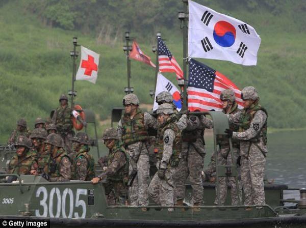 Binh lính Mỹ và Hàn Quốc tham gia một cuộc diễn tập chung