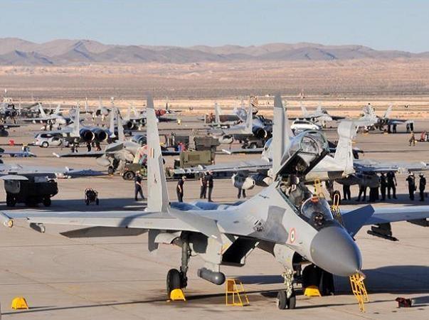 Chiến đấu cơ Ấn Độ tại một sân bay trên vùng cao nguyên