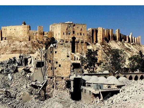 Một phần của pháo đài cổ Aleppo bị phá hủy