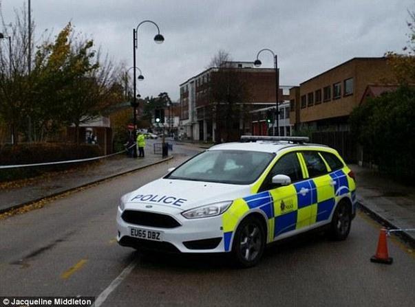 Cảnh sát phong tỏa hiện trường của vụ án