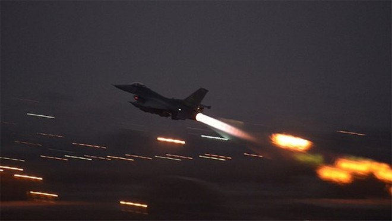 Máy bay Mỹ trong một phi vụ không kích IS