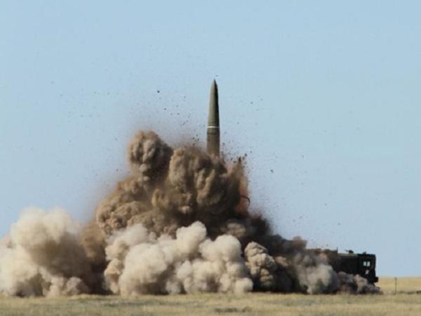 Tên lửa chiến thuật Iskander của Nga trong một vụ phóng thử