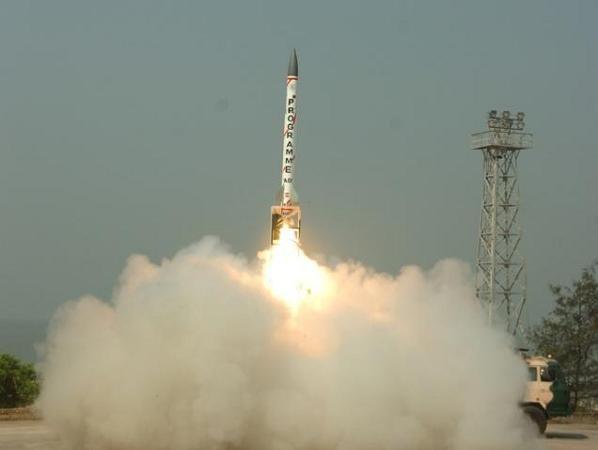 Một vụ phóng thử tên lửa đánh chặn AAD của Ấn Độ
