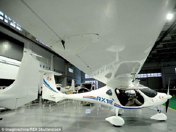 Mẫu máy bay chạy bằng pin RX1E của Trung Quốc