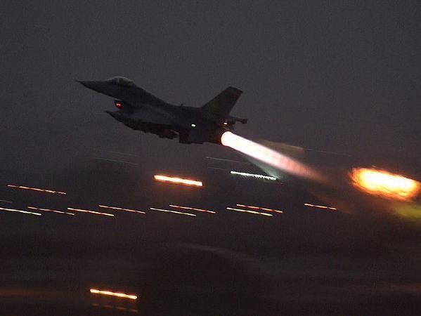 Máy bay chiến đấu F-16 của Mỹ không kích tại Syria