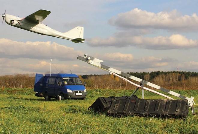 Máy bay trinh sát không người lái chiến thuật Orlan-10 của Nga
