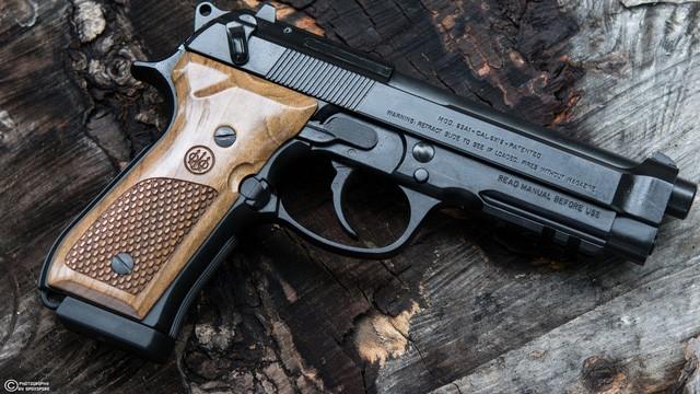 Beretta 92 A1 của Ý