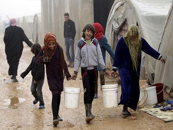 Người dân Syria khốn cùng trong đói khát, chết chóc, thời tiết khắc nghiệt ảnh 7