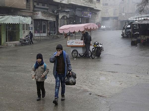 Người dân Syria khốn cùng trong đói khát, chết chóc, thời tiết khắc nghiệt ảnh 5