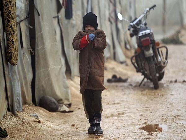 Người dân Syria khốn cùng trong đói khát, chết chóc, thời tiết khắc nghiệt ảnh 3
