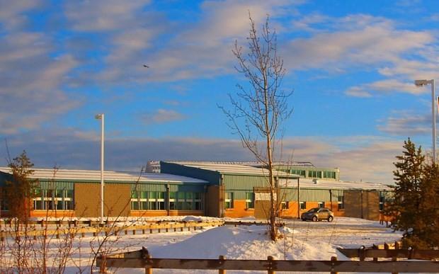 Xả súng tại trường học ở Canada, nhiều người chết ảnh 1