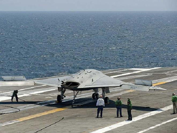 Mỹ sẽ phát triển UAV tiếp dầu trên tàu sân bay