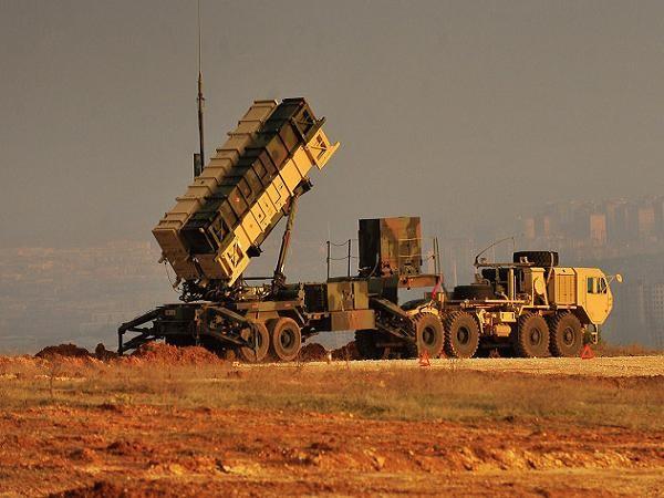 Một hệ thống tên lửa phòng không Patriot PAC-3