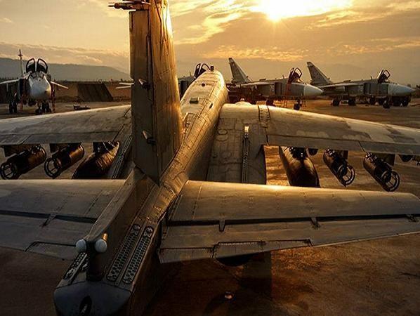 Máy bay chiến đấu của Nga tập kết tại sân bay Hmeymim ở Syria