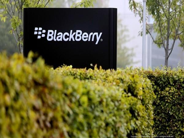 """Blackberry """"bất ngờ"""" sa thải 200 nhân viên ở Canada và Florida? ảnh 1"""