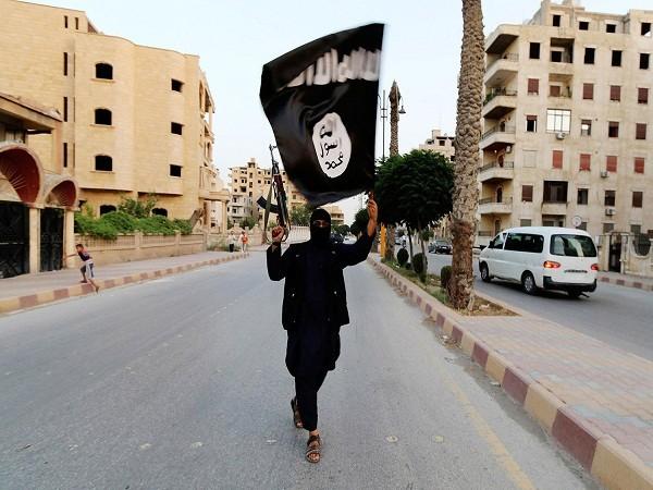 Mỹ khẳng định IS đã chế tạo và sử dụng vũ khí hóa học ảnh 1