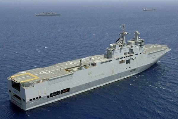 Tàu đổ bộ trực thăng lớp Mistral