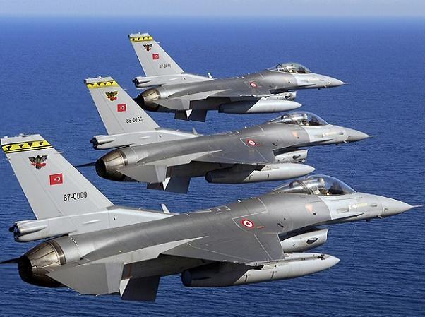 Máy bay tiêm kích F-16 Thổ Nhĩ Kỳ thường xuyên xâm phạm không phận Hy Lạp
