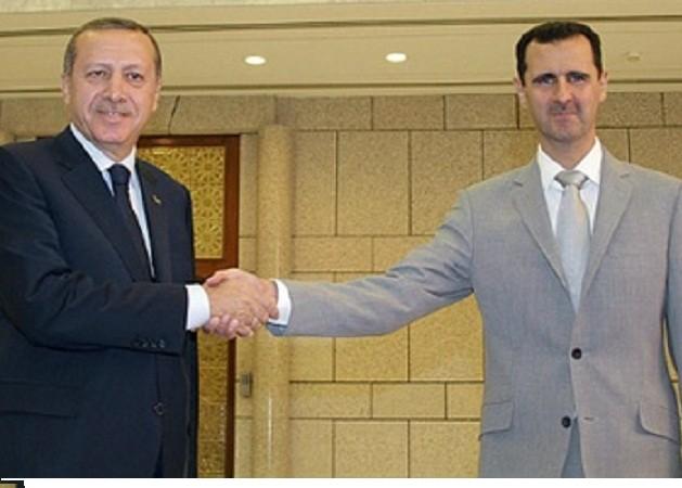 Ông Tayyip Erdogan, khi giữ chức Thủ tướng Thổ Nhĩ Kỳ (trái) và Tổng thống Syria Assad gặp nhau năm 2012