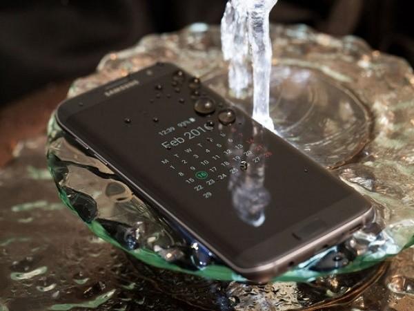 Galaxy S7 và S7 edge trang bị cảm biến chống nước qua cổng USB? ảnh 3