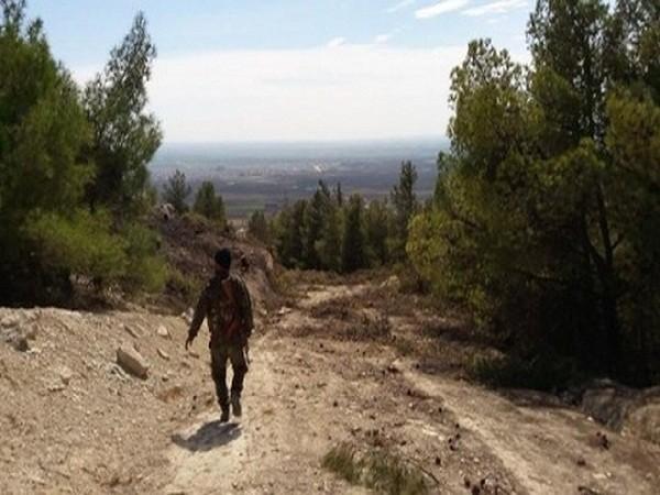 Cô Lizzie Phelan theo chân những chiến binh người Kurd tới Bab al-Salam