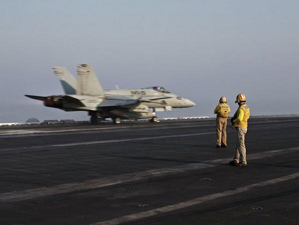 Máy bay chiến đấu Mỹ xuất kích tấn công IS