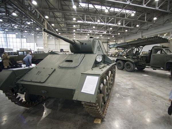 Xe tăng hạng nhẹ T-70 của Liên Xô