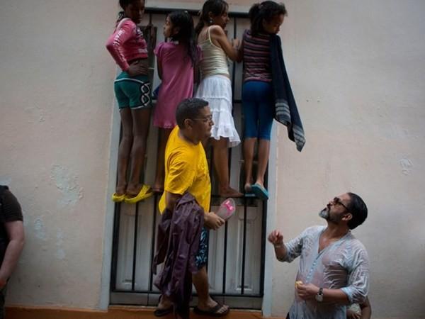 Nhiều người dân Cuba đổ ra đường để với mong muốn trông thấy ông chủ Nhà Trắng.