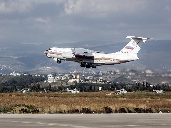 Một chiếc máy bay Il-76 của Nga cất cánh từ thành phố Latakia của Syria
