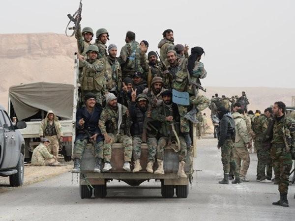 Palmyra nằm cách Damascus - thủ đô Syria 210 km, và là thành phố then chốt để tiến tới những thành trí của IS ở Raqqa, phía đông của đất nước.