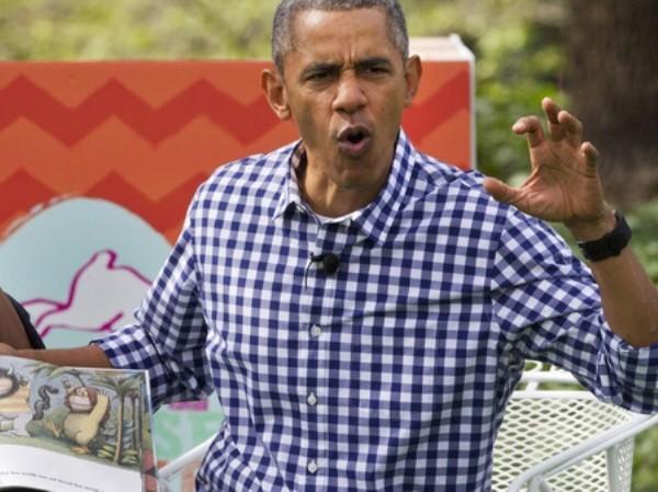 Tổng thống Obama giản dị, tươi trẻ với áo sơ mi